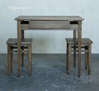 Кухонный стол и табуреты